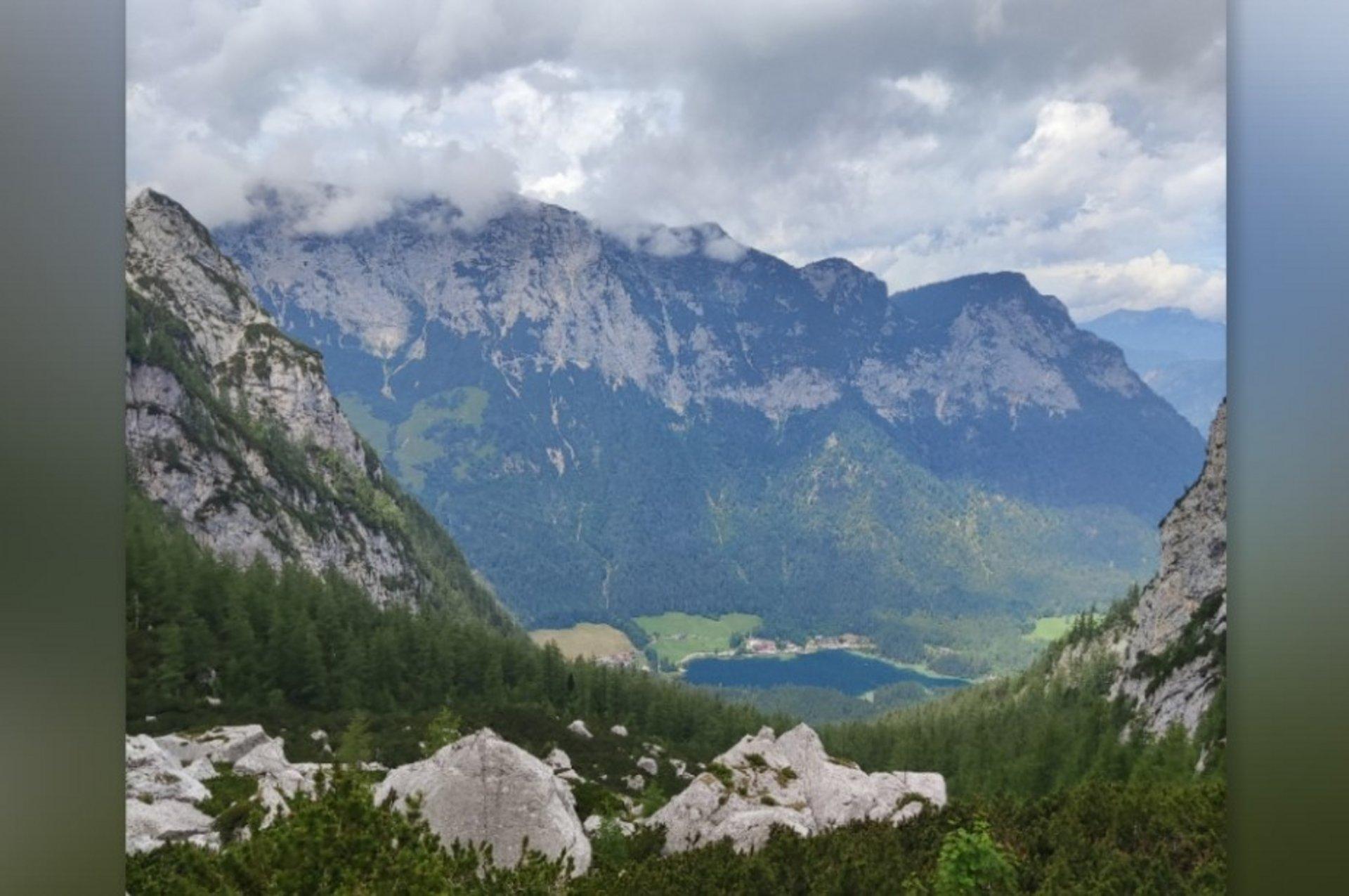Blick in ein Alpental